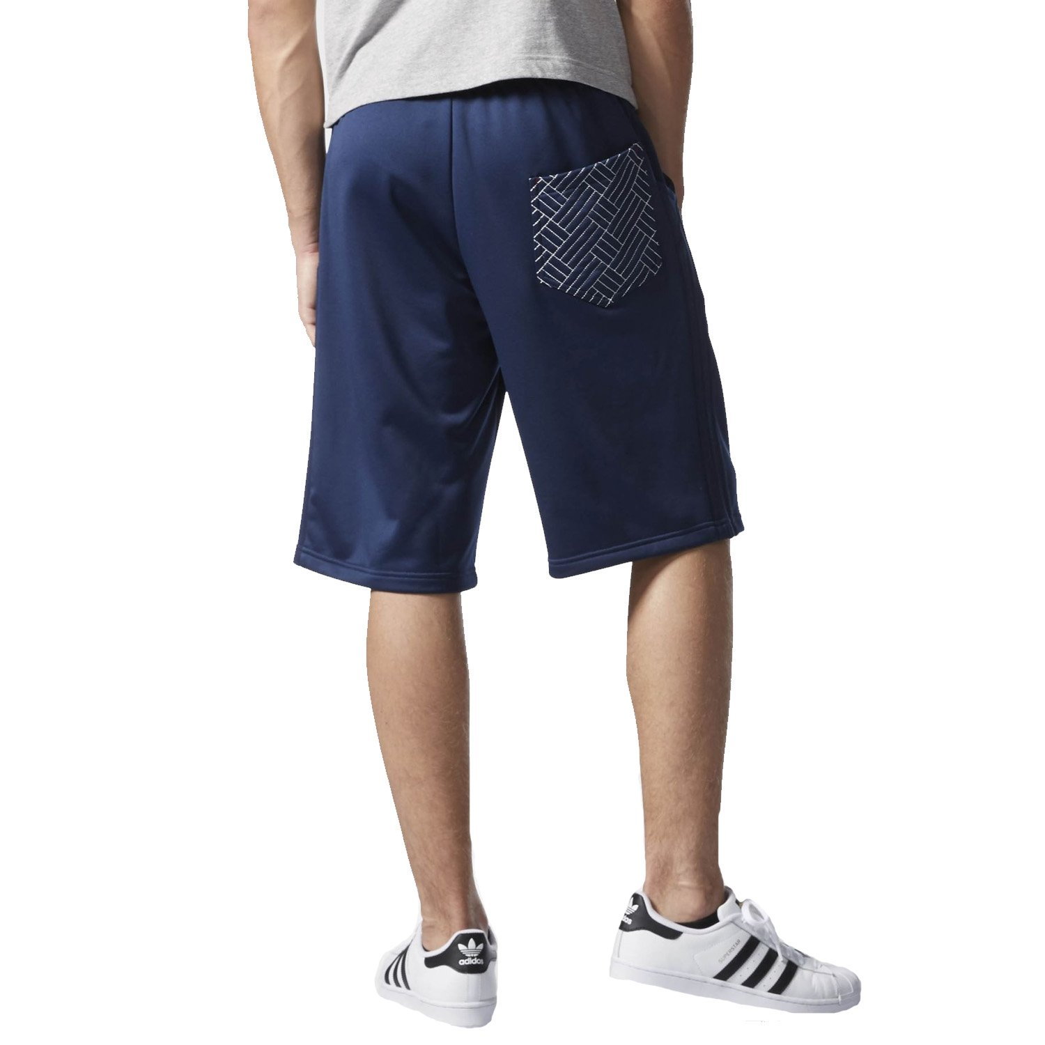 c44e889e1 adidas Originals Mens Budo Knee Length Shorts - Navy - Large: Amazon.co.uk:  Clothing