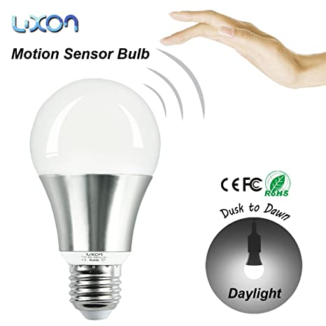 Sensor de movimiento Seguridad Bombillas LED 7W Anochecer a Dawn E27 Tornillo 70W Bulbo Incandescente Equivalente