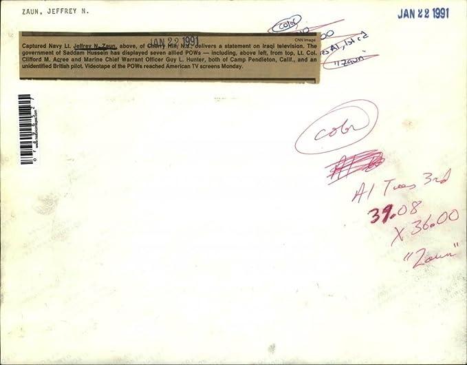 Amazon Com 1991 Press Photo Captured Navy Lt Jeffrey Zaun Delivers