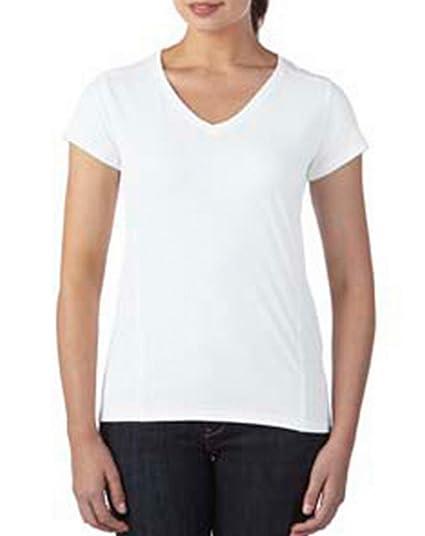 ec6414ee956 Gildan Women s Comfort Mitered V-Neck T-Shirt at Amazon Women s ...