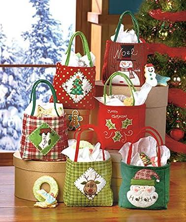Amazon.com: Holiday Christmas Cloth Gift Bags Set of Six: Health ...