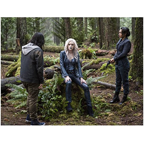 the-flash-carlos-valdes-as-cisco-ramon-danielle-panabaker-as-killer-frost-and-candice-patton-as-iris