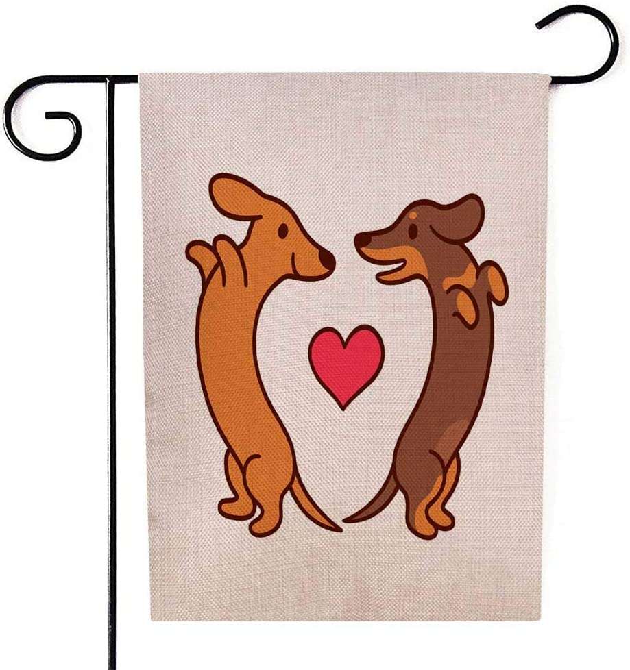 Fullentiart Garden Flags for Outside, Welcome Garden Flag Patio Garden Flag Cute Cartoon Dachshunds in Love Adorable Wiener Dogs Looking Each Other Heart Shape St Home Garden Flags 12.5X18 Inch