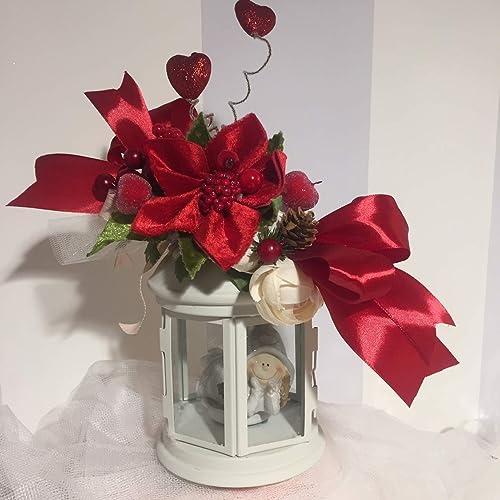 Centrotavola Stella Di Natale.Centrotavola A Lanterna Decorato Con Bacche E Stella Di Natale