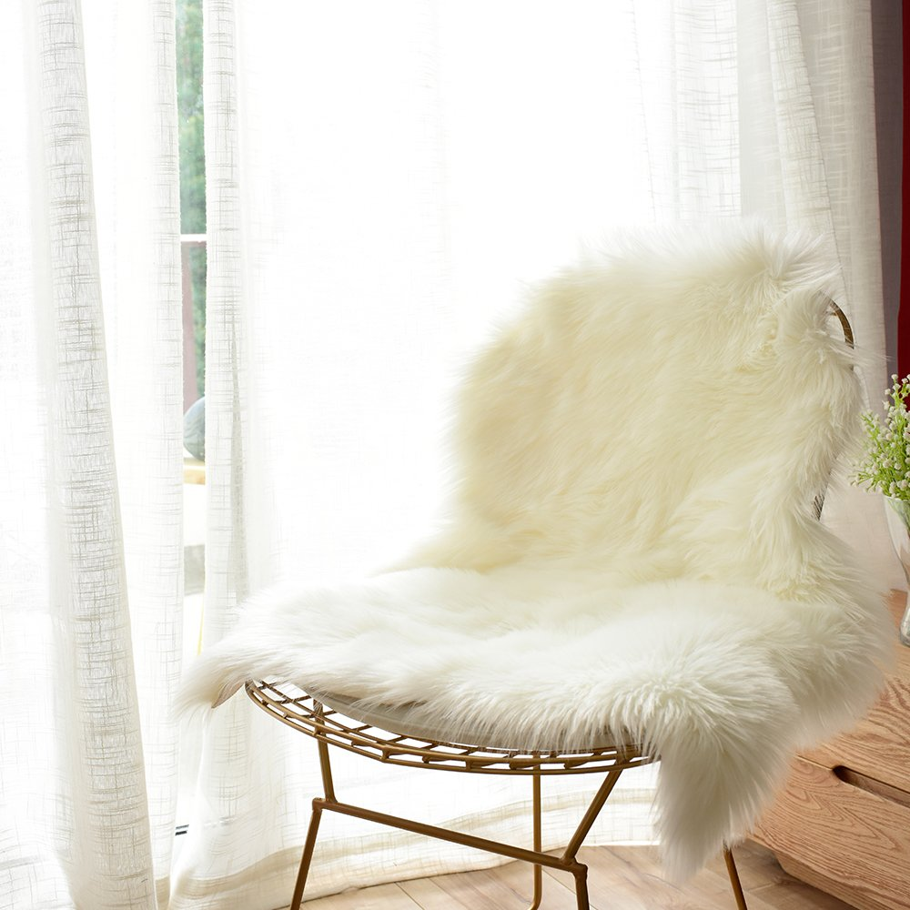 Carvapet Luxury Soft Faux Sheepskin Chair Cover Seat Cushion Pad Plush Fur Area Rugs for Bedroom, 2ft x 3ft, White