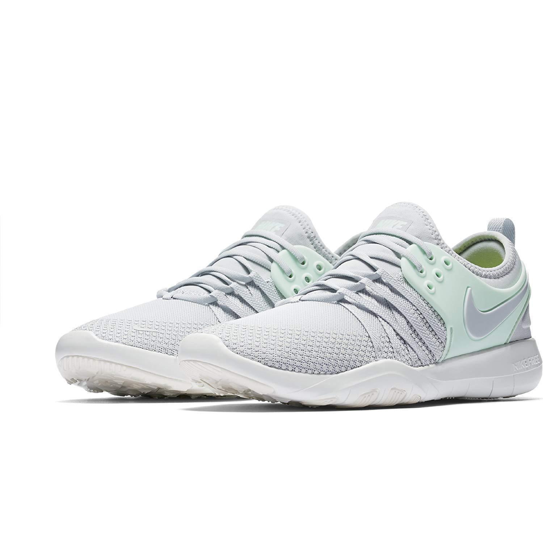 finest selection 83b83 f4e3d Amazon.com   NIKE Women Free TR 7 Grey (10), White Cool Grey-Metallic Silver,  Size 10   Fashion Sneakers