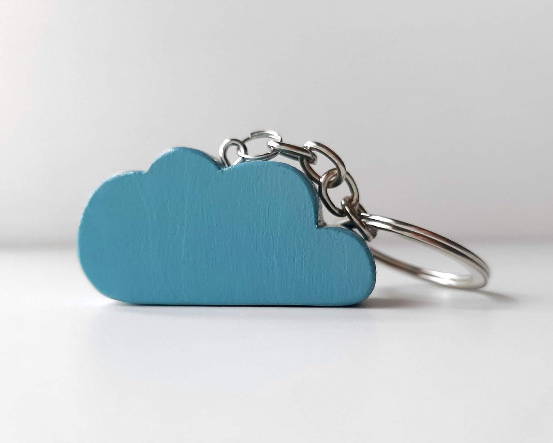 Llavero con nube de madera celeste de diseño infantil y ...