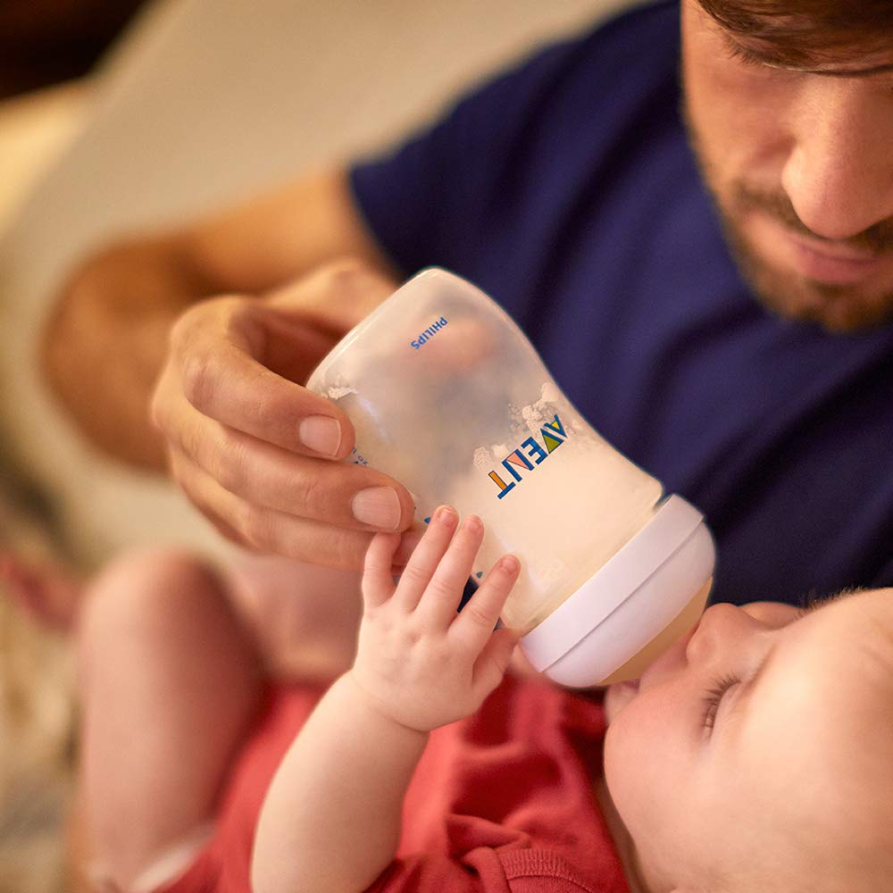 Biber/ón de 260 ml con tetina con flujo para reci/én nacidos 1m+ dise/ñada para imitar el tacto del pecho 0/% BPA Philips Avent Biber/ón Natural SCF033//17 color transparente