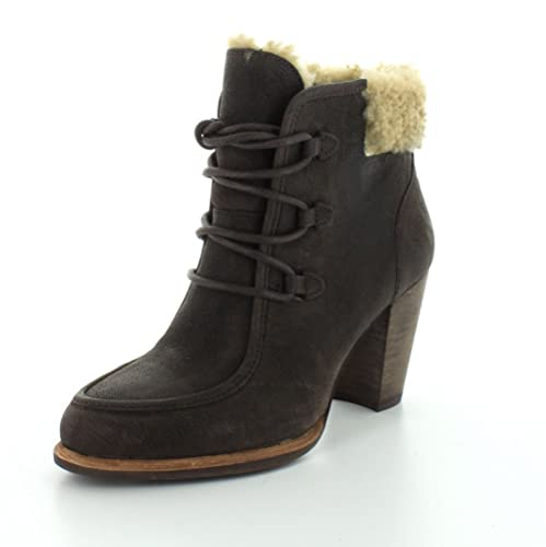 f03fd1cb26d UGG Australia Womens Analise Boot