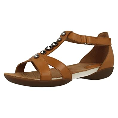 a0204e838 Clarks Ladies T-Bar Flat Sandals Raffi Scent Tan Leather Size 6E   Amazon.co.uk  Shoes   Bags