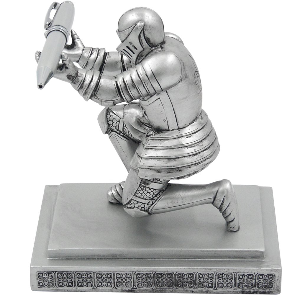 YOLER Resin Soldier Executive Knight Pen Holder