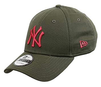 New Era 940 MLB League NY Yankees Cap  Amazon.co.uk  Sports   Outdoors 79d417c4428d