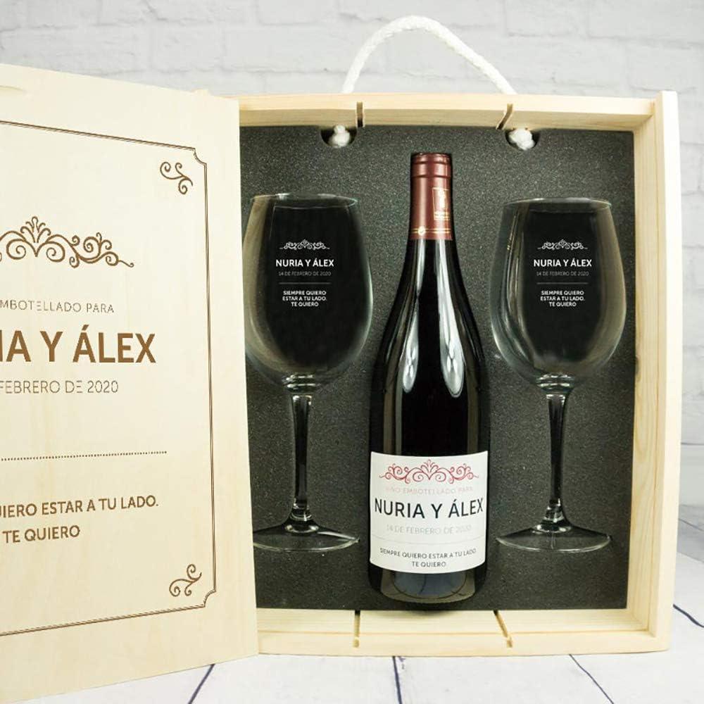 Calledelregalo Regalo Personalizado para Parejas: Kit con Botella de Vino + Copas de Vino + Caja de Madera, Todo ello Personalizable con Nombres, Fecha y dedicatoria: Amazon.es: Hogar