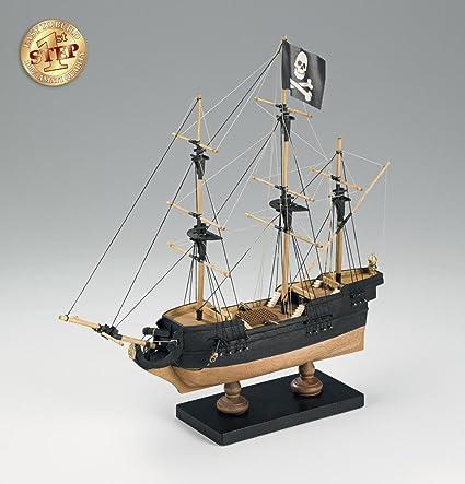 Amazon.com: First Step Pirate Ship - Beginner Model Ship Kit ...