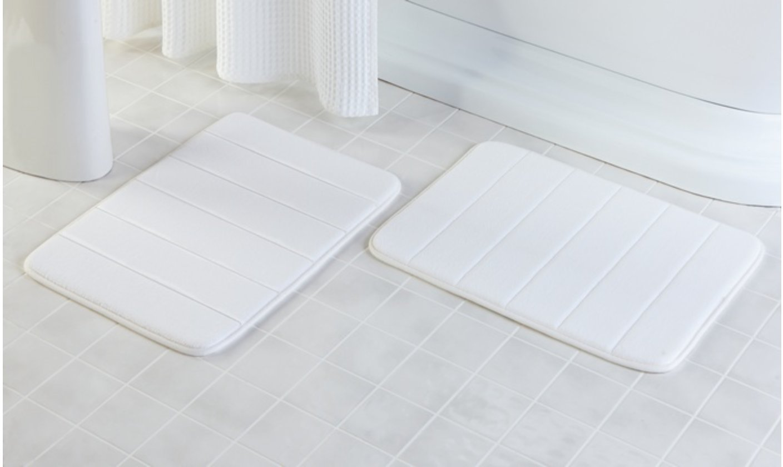 "Drhob 2Pcs White 17""x 24"" Non Slip Coral Velvet Bathmat Absorbent Bath Rugs Memory Foam Bath Mats"