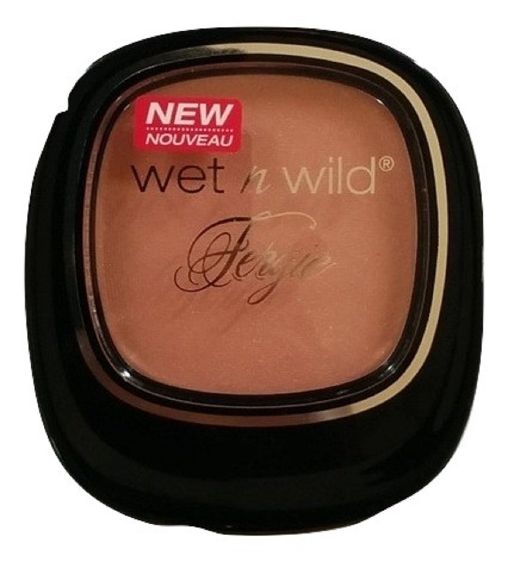 Wet N Wild Fergie Centerstage Collection Around the Clock Blush A158 Brush with Destiny (Brush