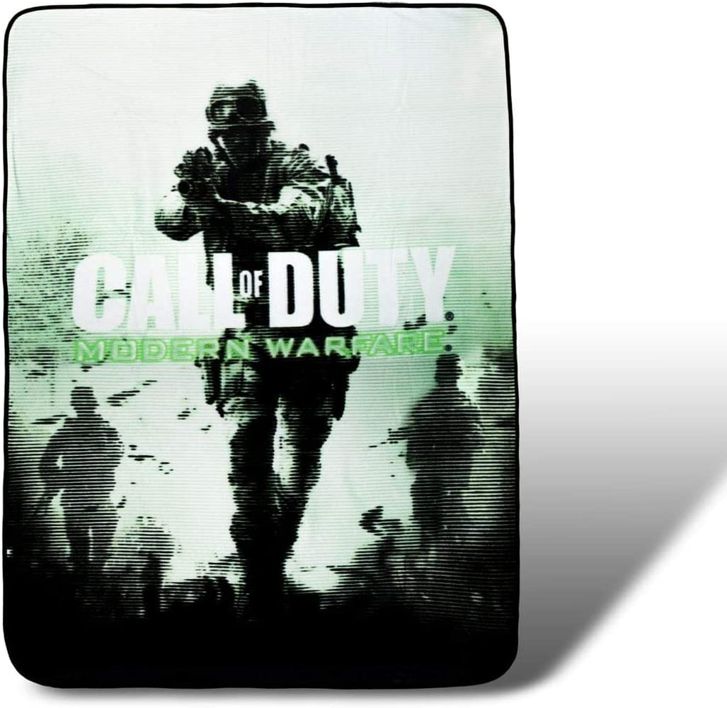 Call of Duty Collectibles   Call of Duty Fleece Throw Blanket   45 x 60 Inches