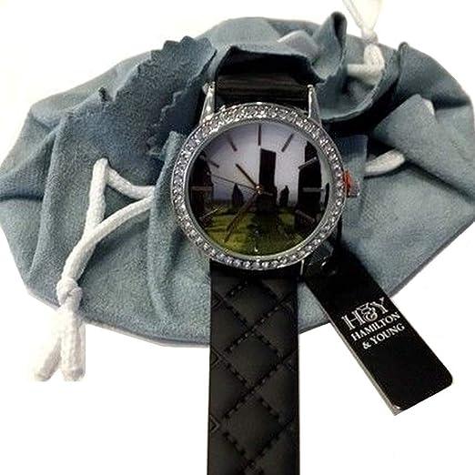 Outlander Inspirado Escocés de Pie Piedras Reloj Diamante Acabado con Correa Negra: Amazon.es: Relojes