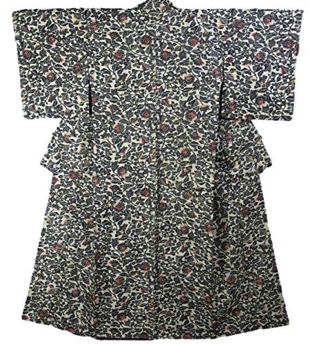 報復割り当てるレンディションリサイクル 着物 銘仙 正絹 袷 菊唐花文様 裄63.5cm 身丈156cm