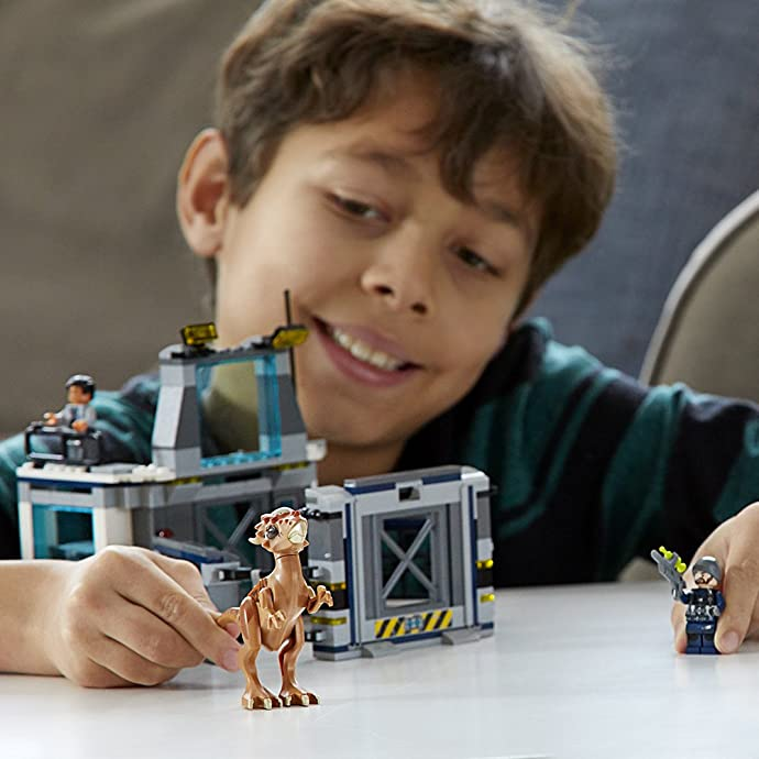 LEGO 乐高 Jurassic World 侏罗纪世界系列 75927 冥河龙实验室大逃亡 积木玩具 6.3折$18.99史低 海淘转运到手约¥173