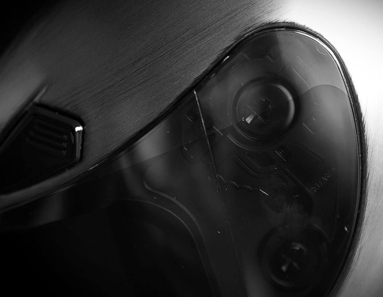 Icon Airframe Pro Quicksilver Argento//Nero Casco Moto