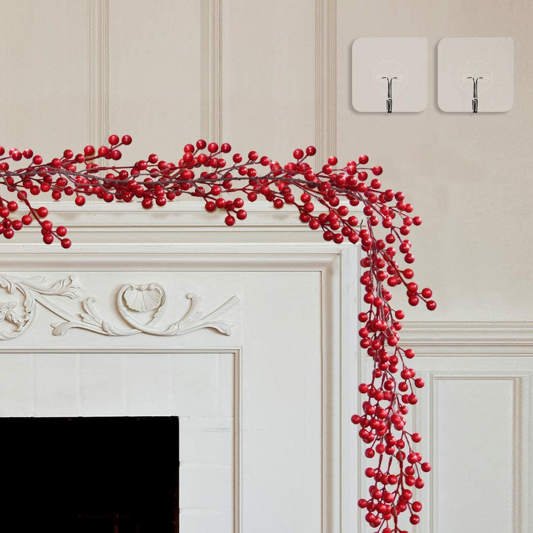 LELEE Chrsitmas Red Berry Garland - 6.5FT Artificial Berry Garland Decoration for Fireplace - Outdoor Indoor Xmas Garland?with 2 pcs Hook for Christmas Holiday, Stair, Table, Home Decor