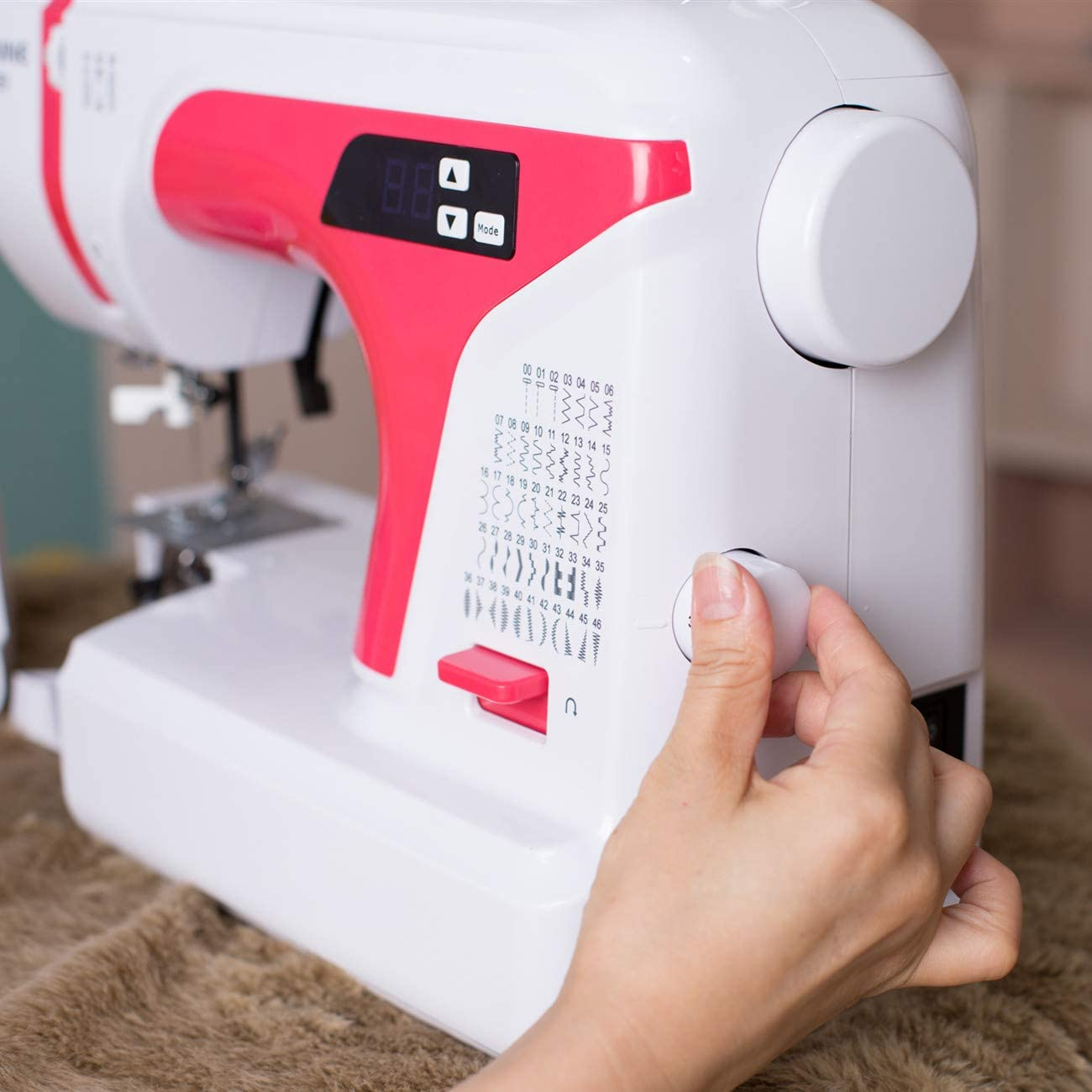 Electronic Sewing and Quilting Machine with 50 Built-in Stitches SWNNE Y21 Computerized Sewing Machine Red Automatic Needle Threader 4-Step Buttonhole LED Display