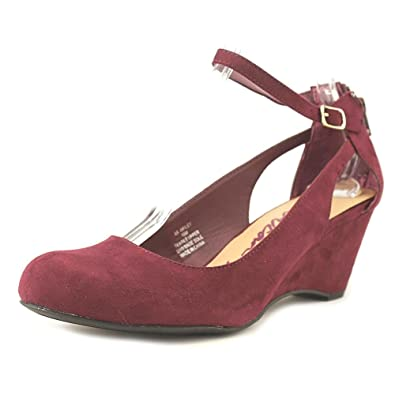 027754212d8 American Rag Miley Chop Out Wedges  Amazon.co.uk  Shoes   Bags