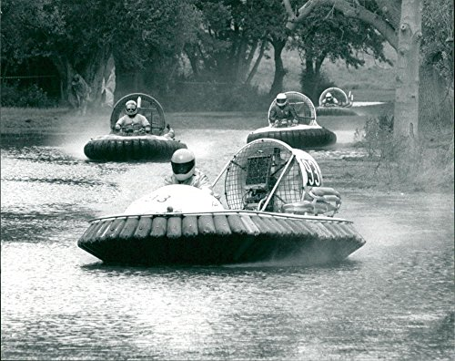 (Vintage photo of HOVERCRAFT racing)