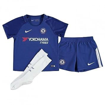 super popular dde5c 24b20 Nike 2017-2018 Chelsea Home Little Boys Mini Kit: Amazon.co ...