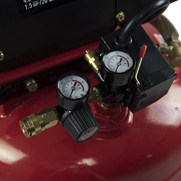 it's equipped with two pressure gauges; the first one monitors internal pressure while the other regulates the airflow.