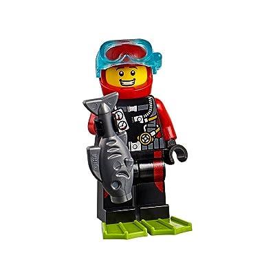 LEGO City Beachgoer MiniFigure: Scuba Diver (w/ Silver Fish) 60153: Toys & Games