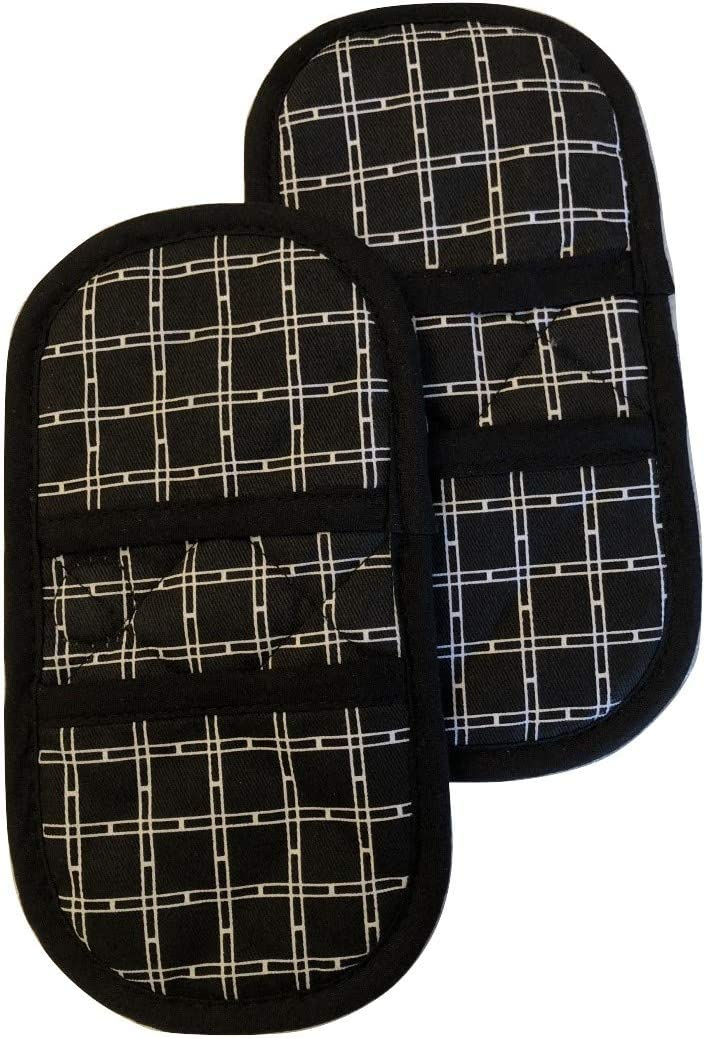 Mini Oven Mitts with Fridge Magnets.2pk Quilted Heat Resistant Black Cotton Fabric.Gloves/Pot Holder Safely Protects Hands from Hot Surfaces. Great for handling Cookware, Bakeware, BBQ ,Microwave