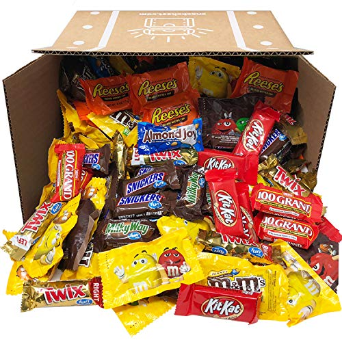 Trick Or Treat Chocolate Candy Assortment Mix (90oz) Includes HERSHEY'S, Nestle, M&M's and More Bulk Value