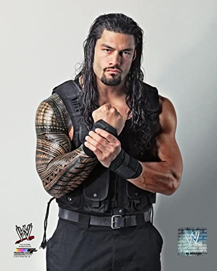 amazon com wwe roman reigns 2013 posed photo 8 x 10in toys games