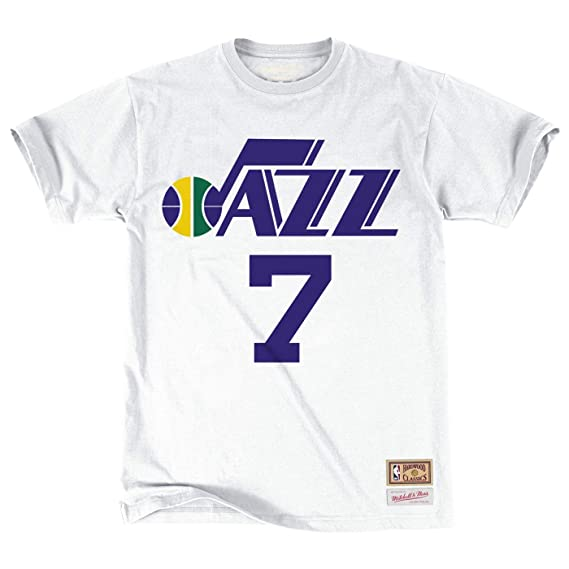 d842f16f0 Amazon.com   Pete Maravich Utah Jazz NBA Mitchell   Ness White Hardwood  Classics Retro Player N N Jersey T-Shirt For Men   Sports   Outdoors