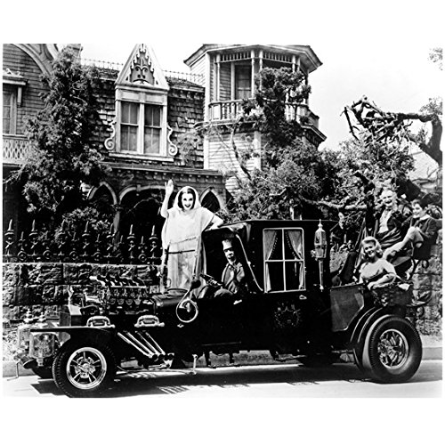 The Munsters 8 X 10 Cast Photo Herman, Lily, Grandpa, Eddie & Marilyn Munster in/on Car Pose 1 kn
