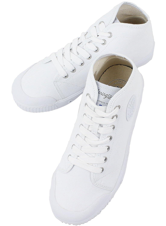 大人のレディースにおすすめなきれいめスニーカーが揃うブランドのスプリングコートの白スニーカーの画像