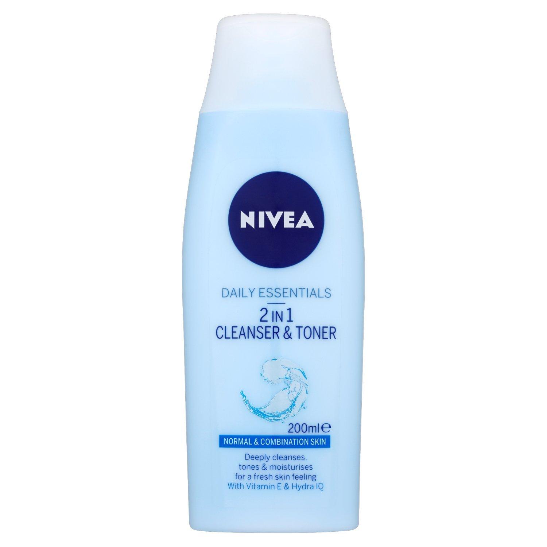 Daily Essentials Refreshing Facial Wash Gel By Nivea