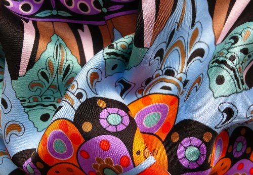 Foulard carré 90cm X 90cm, twill de 100% soie/silk. Couleur bleu, vert, violet, orange etc