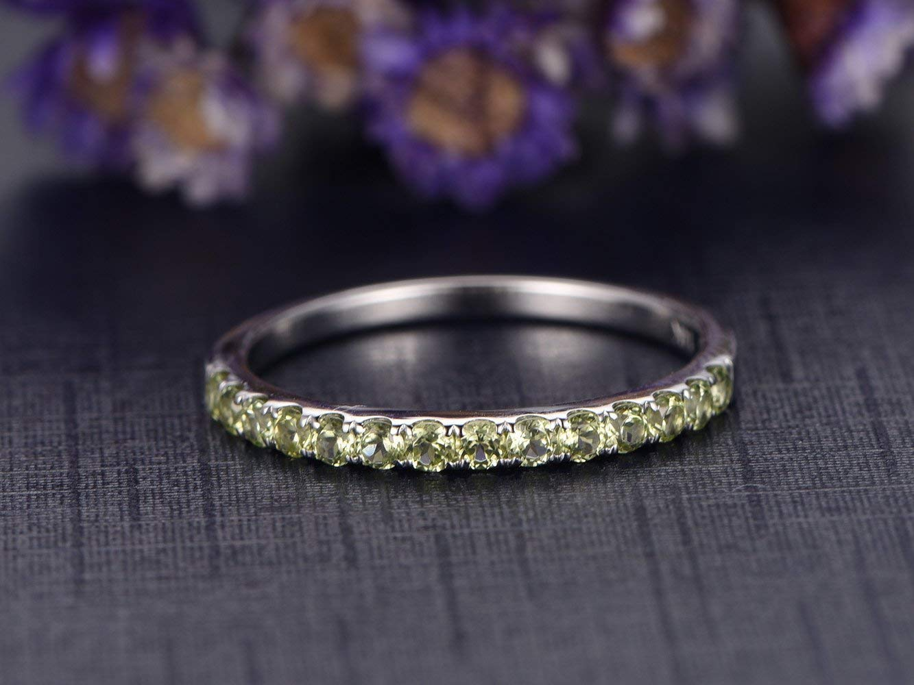 Amazon Com 2mm Round Cut Natural Peridot Wedding Band Solid 14k