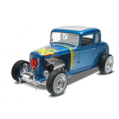 Revell 1/25 '32 Ford 5 Window Coupe 2' n 1: Toys & Games