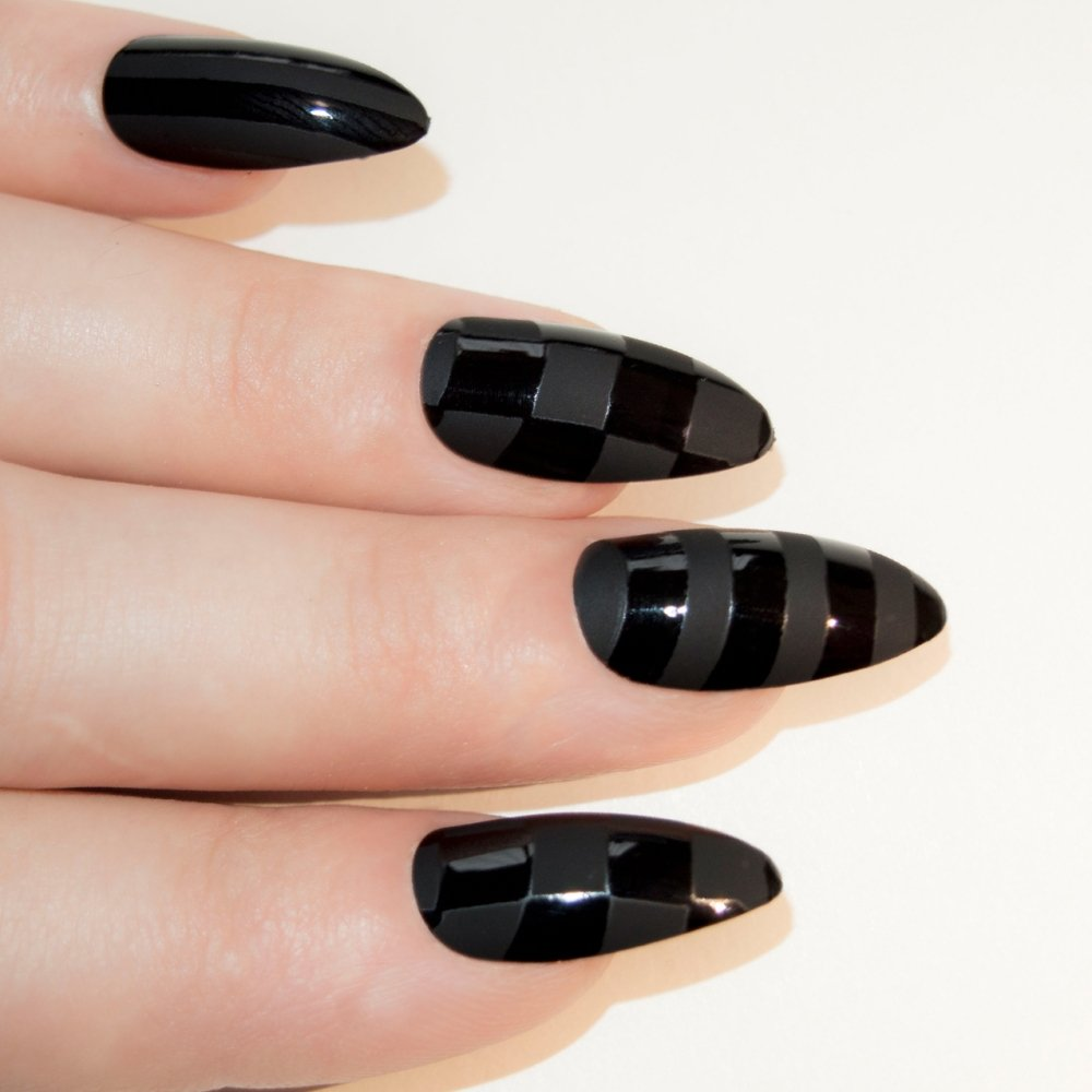 Amazon.com: Bling Art Almond False Nails Fake Stiletto Black Matte ...