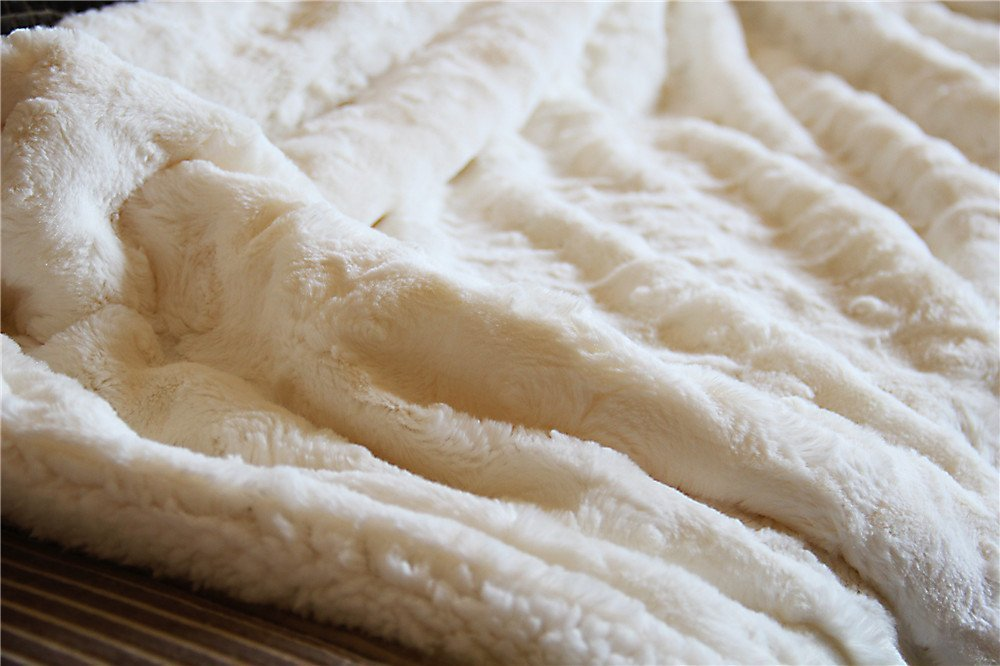 Tache Luxury White Roses PV Faux Fur with Sherpa Throw Blanket