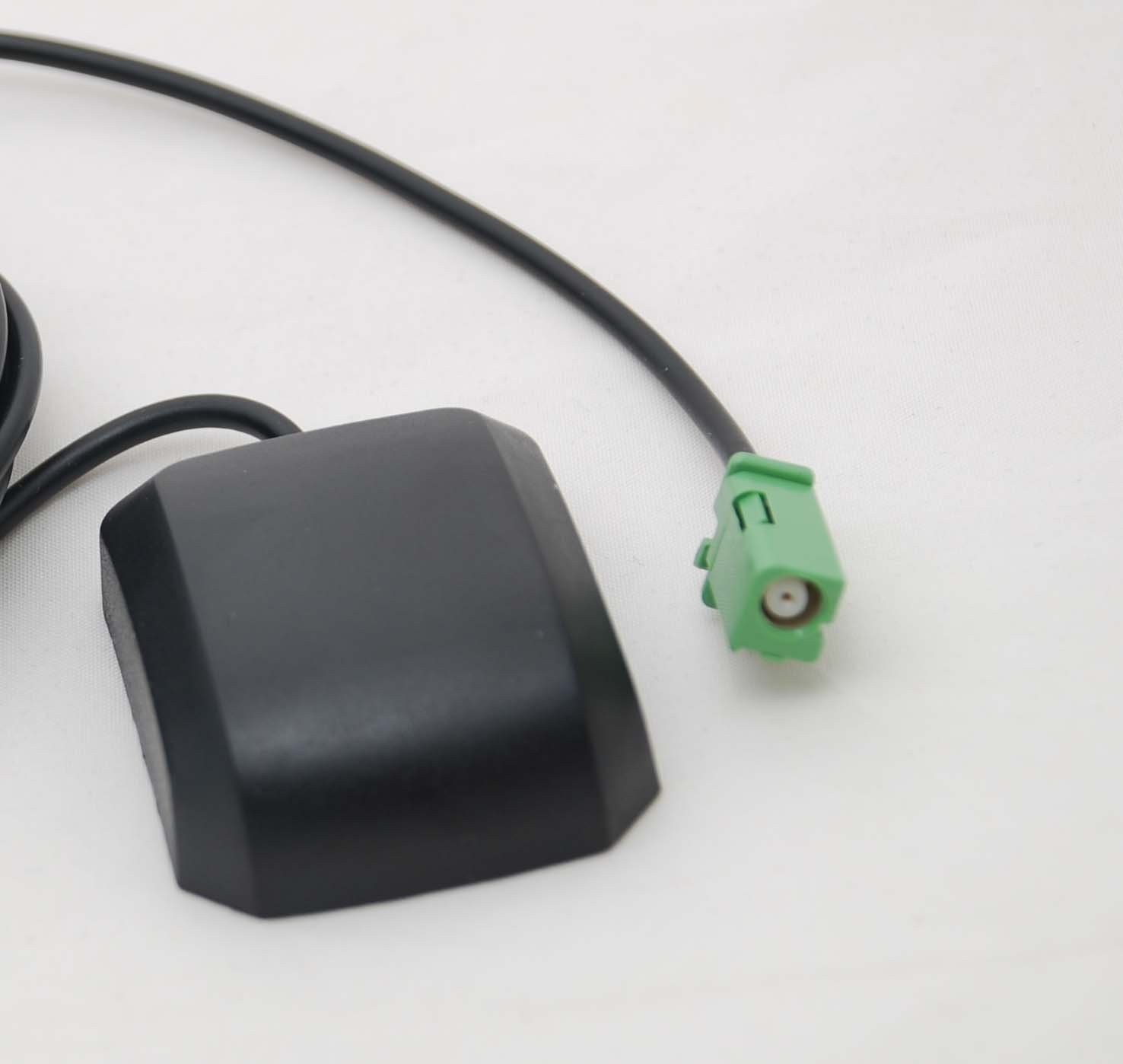 Xtenzi GPS active antenna replacement for Pioneer CXE3204