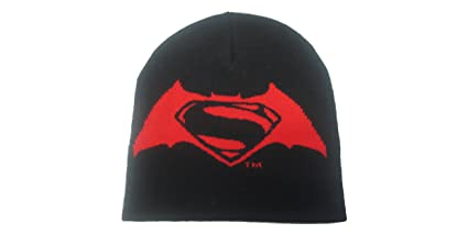 Amazon.com  DC Comics Batman vs Superman  Dawn of Justice Beanie Hat ... 736c6db3496