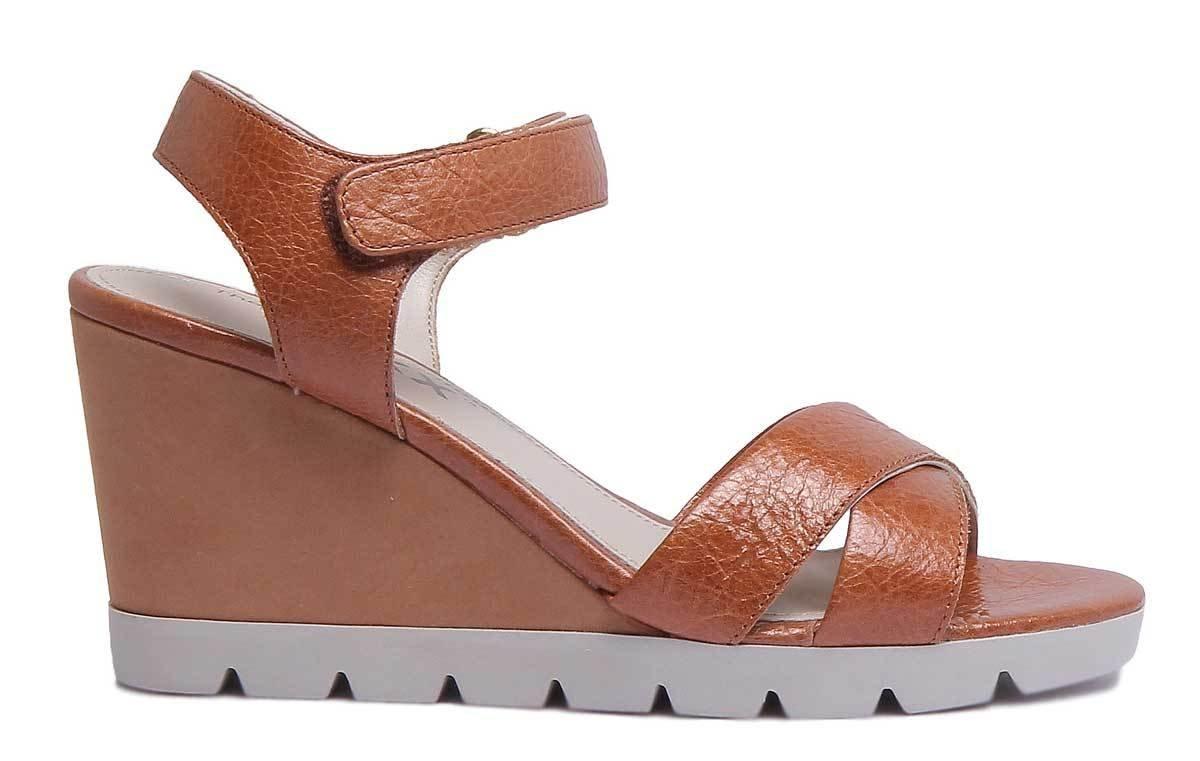 384156f9c1d ... The The The FLEXX Lot Off Womens Golden Tan Leather Matt Sandal  B07DPPV7D8 9.5 B( ...