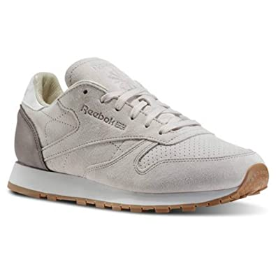 fe832afa1f4d Reebok Womens Classic Leather Bread   Butter Moon White Chalk Sandy  Taupe Gum