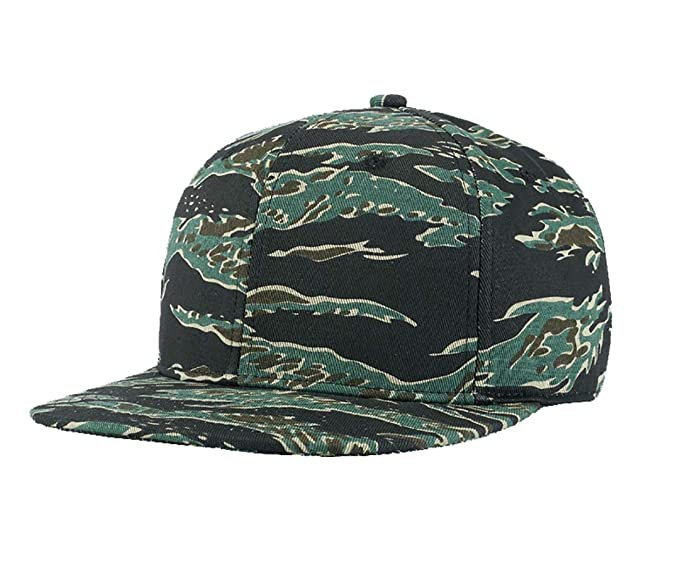 2dceb138dbd Amazon.com  TESOON Plain Two-Tone Flat Bill Snapback Hat Camouflage ...