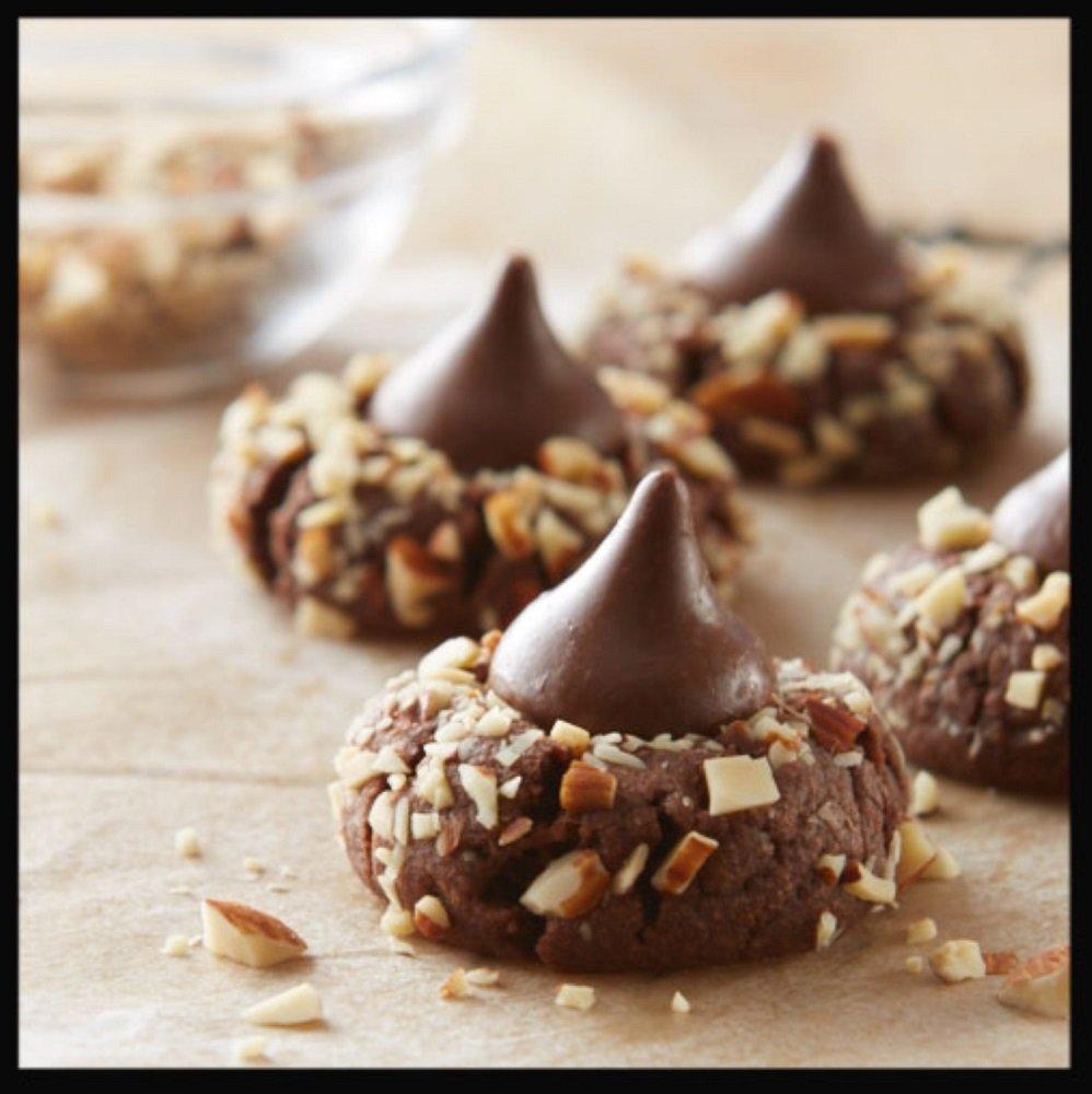 Amazon.com : HERSHEY'S KISSES Chocolates with Almonds, Gluten-Free ...